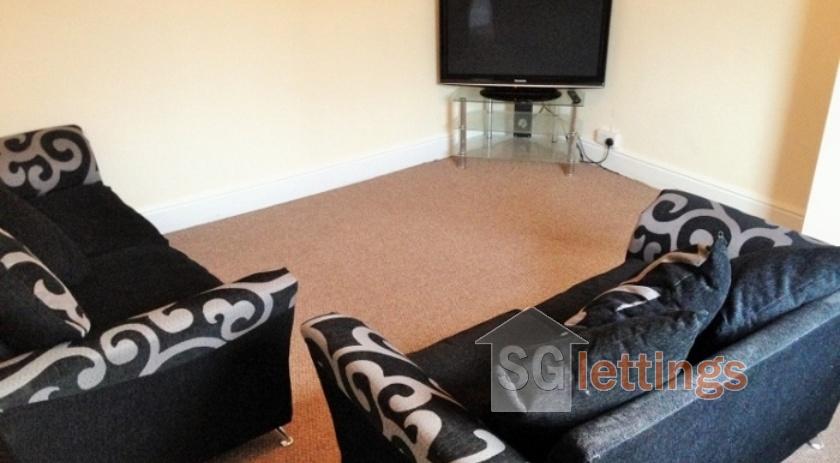 2-Living Room(a) (770x578) (700x525)