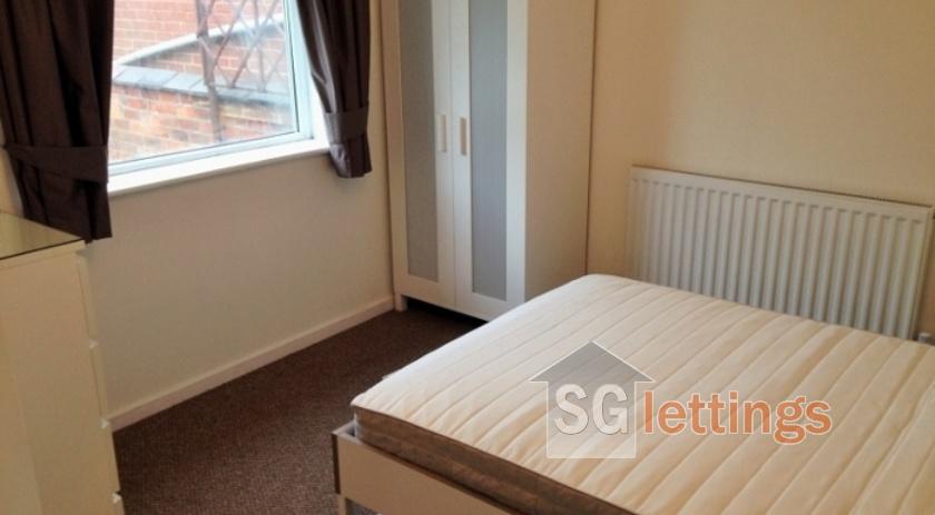 Bed 2(a) (770x578) (700x525)