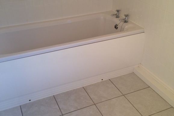 4 Hall View - Bathroom