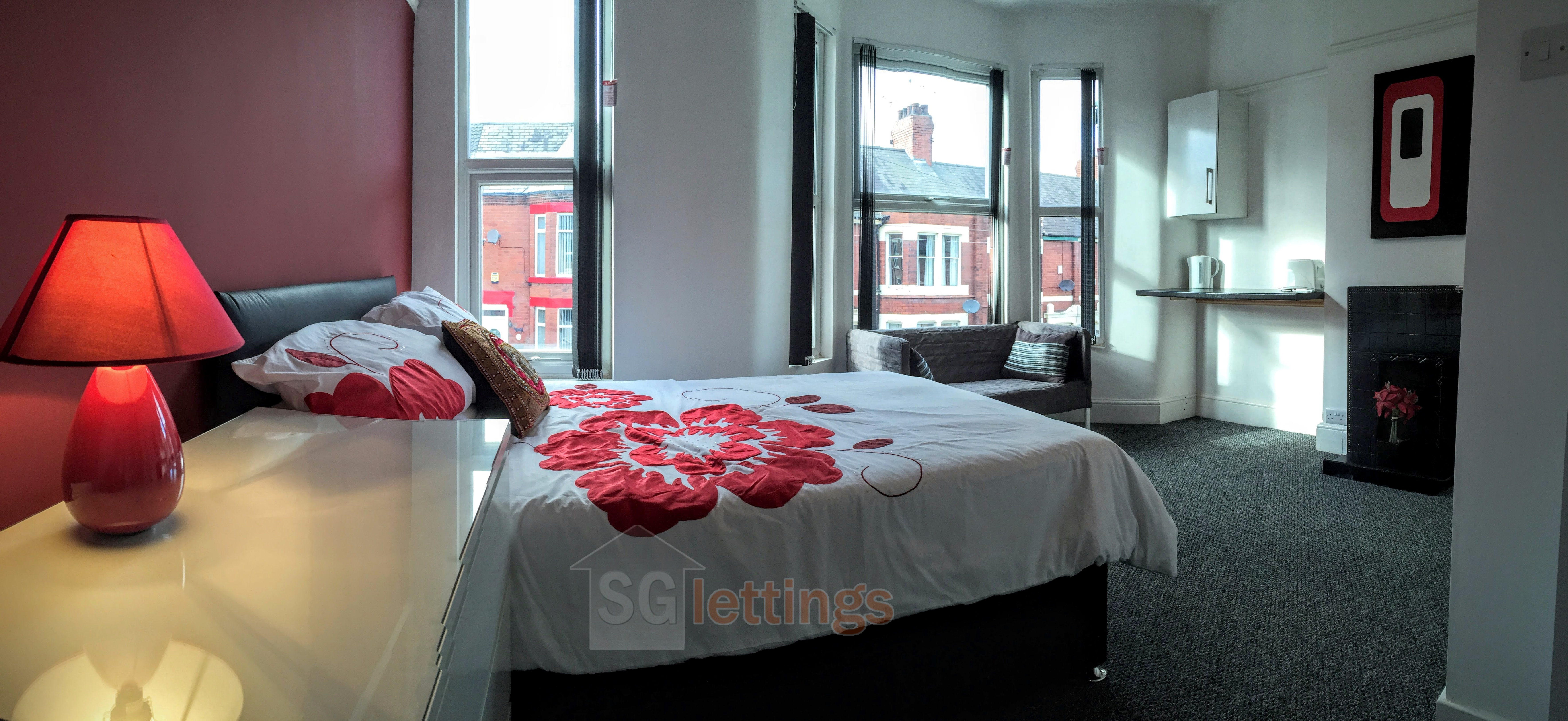 *As Seen on Homes Under The Hammer* En-Suite Rooms to Rent at Ruskin Road, Crewe