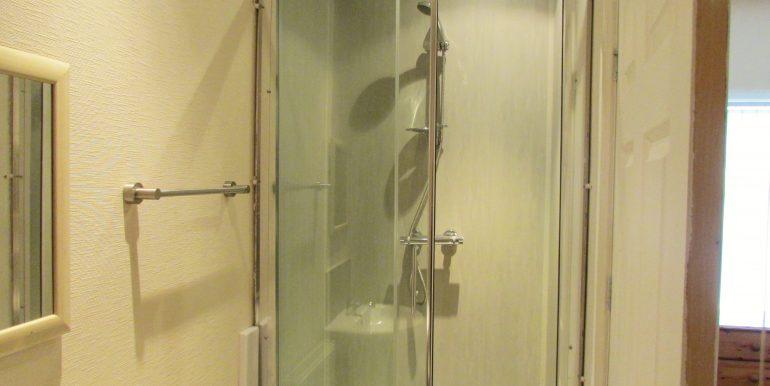Room 2 - En Suite (a)
