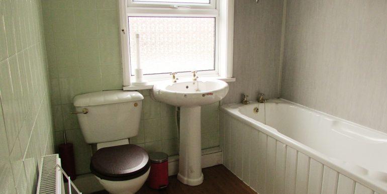 Room 3 - En Suite (a)