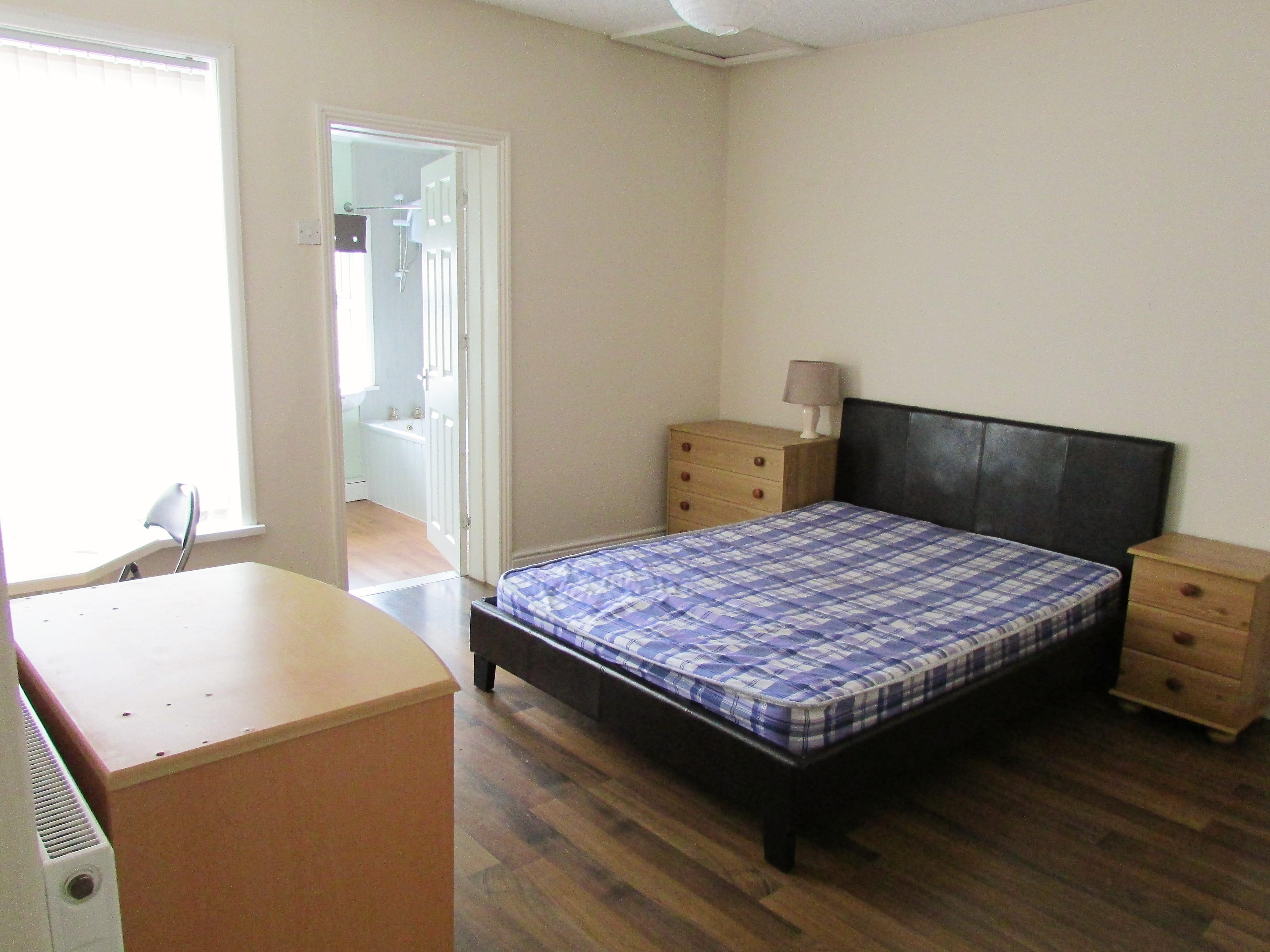 3 x En-suite Rooms 2 mins from Crewe Station