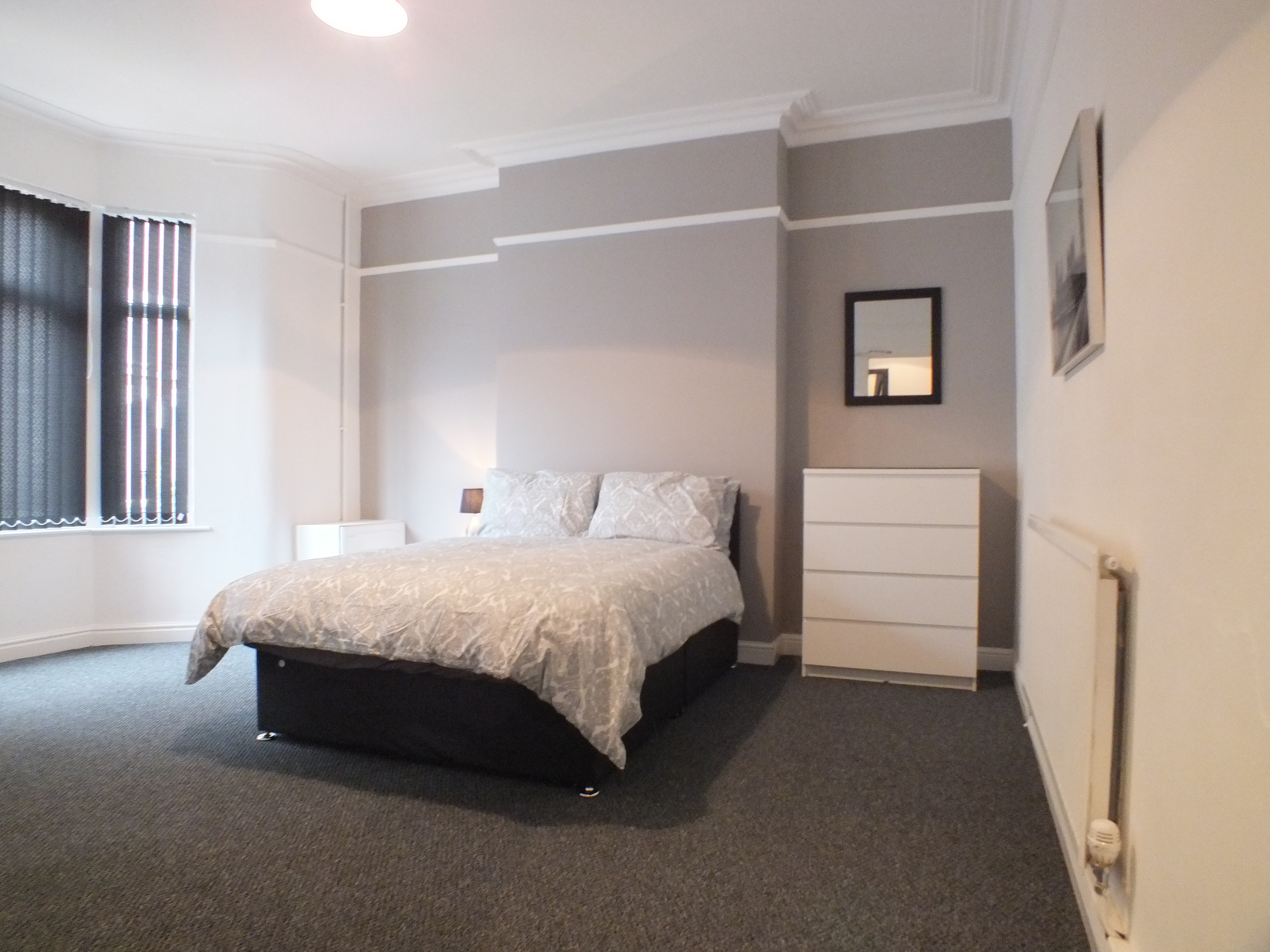 Large Double Room to Rent – Walthall Street, Crewe