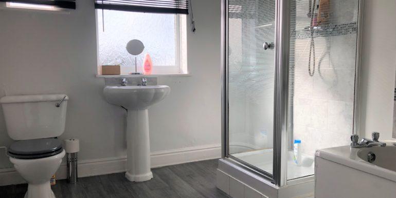 bathroom_lighter