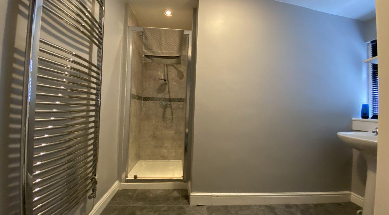 05 Shower Room