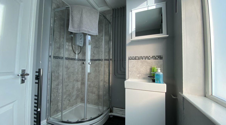 09 Showerroom