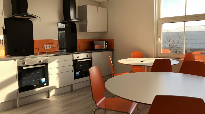 04 Kitchen