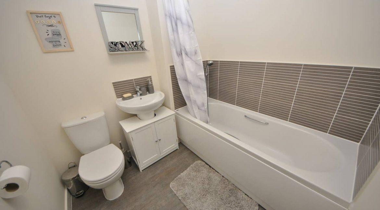 03 Bathroom 1