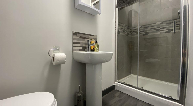 Shower Room 04
