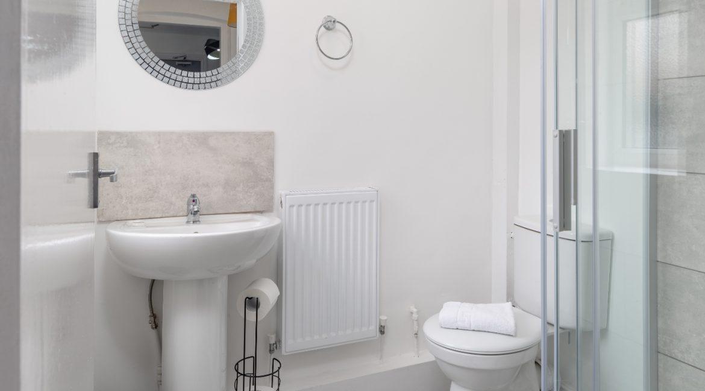 04 Shower Room