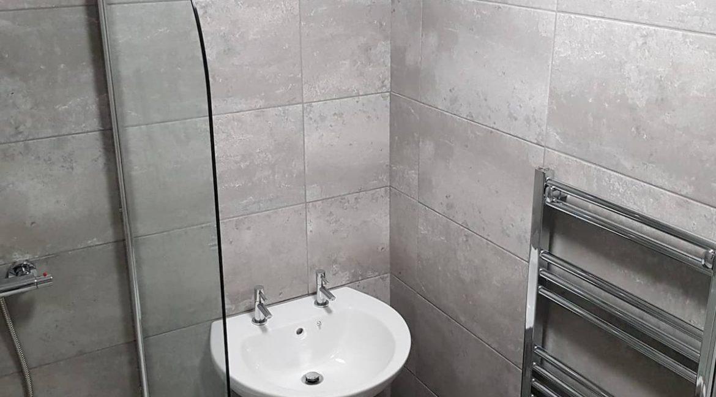 03 Bathroom 2
